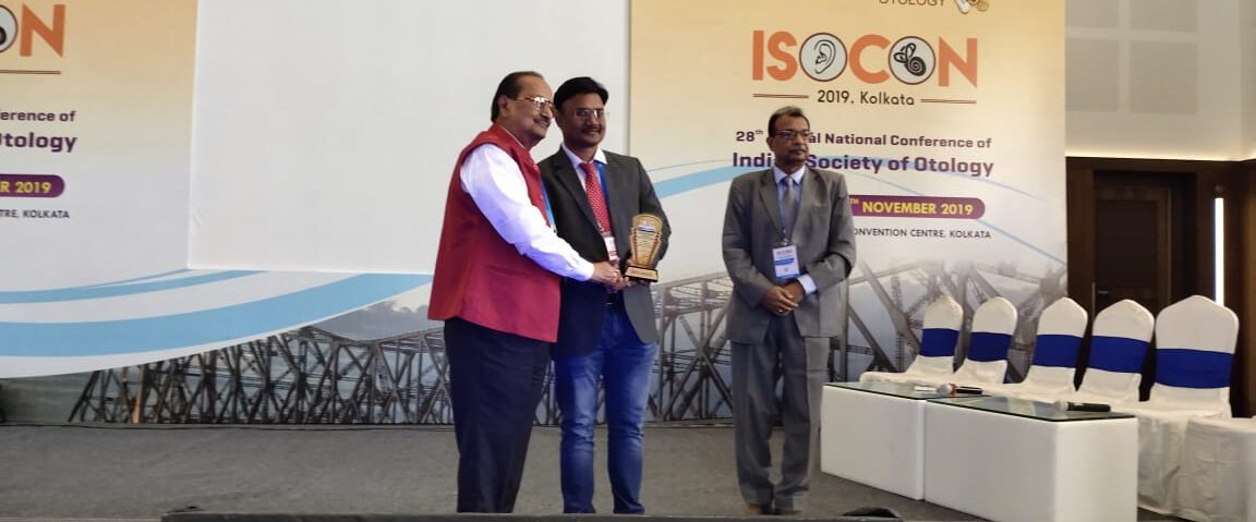 Dr Khageswar Rout receiving a momento in ISCON 2019
